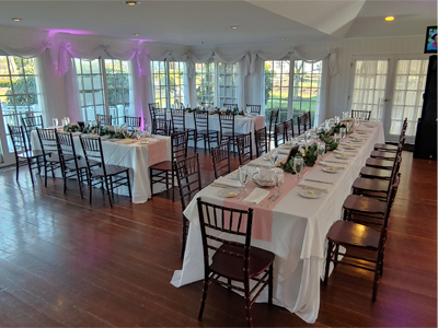 Antrim 1844 in Frederick MD, with White linens on rectangular tables